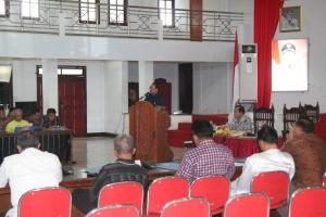 Ketua IKSSAT Bitung, Edison Humiang menyampaikan sambutan