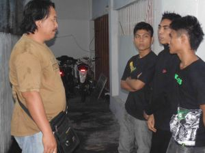 Komplotan pencuri diinterogasi Polisi / photo: Ardan Gala