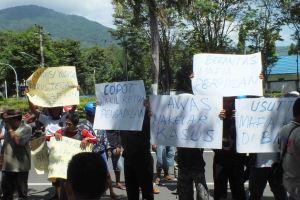 Demo Keluarga mamonto di PN Bitung