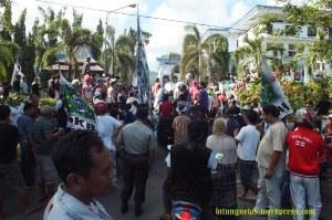 Para Caleg Gagal berunjuk rasa, tuntut PSU di Kota Bitung
