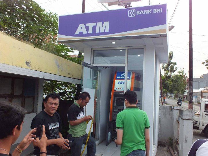 Mesin ATM BRI yang dibobol