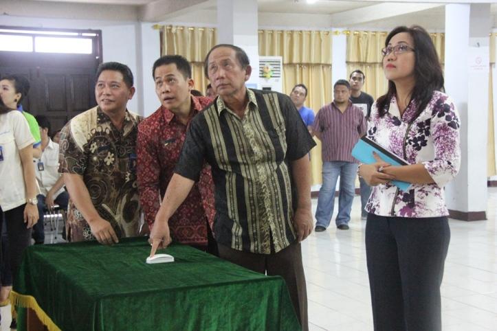 Sondakh mengacak nomor PIN Nasabah Bank Sulut