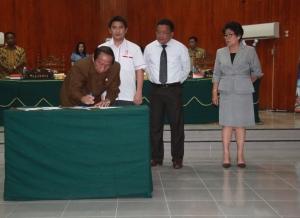 Sondakh beserta Anggota DPRD Kota Bitung