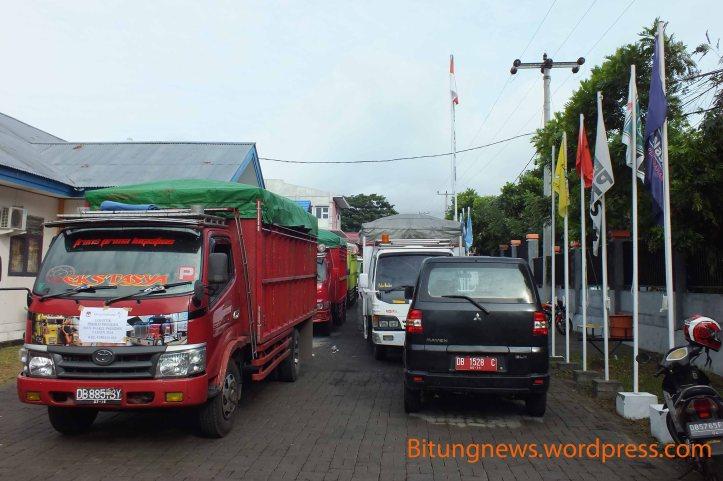 Truk pengangakut Logistik