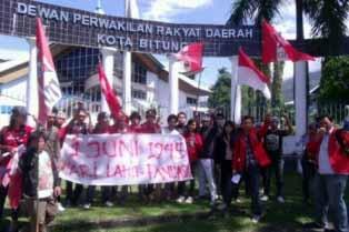 Demo GMNI di DPRD Bitung