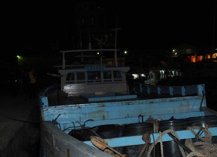 Kapal yang diduga muat barang seludupan