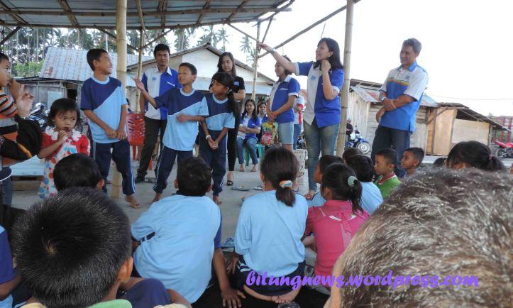 Manajemen BFI Finance Bitung Santuni Sekolah Anak Langit