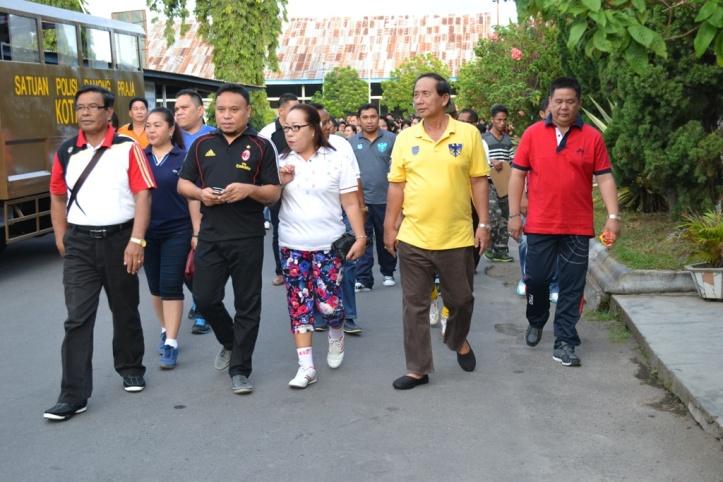 Sondaj mengikuti peserta Jalan sehat