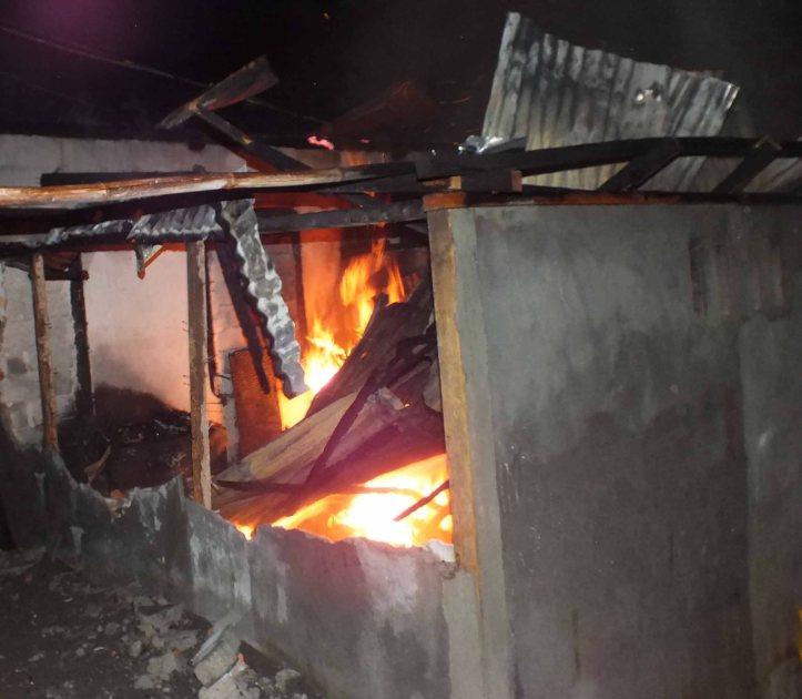 Tempat kost terbakar