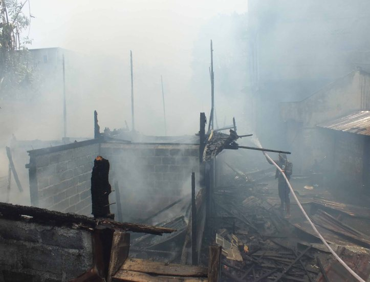 Tempat kos yang sudah hangus terbakar