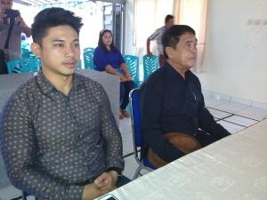 Pasangan Perseorangan Stefan Pasuma dan Jan Karundeng, pertama mendaftar.
