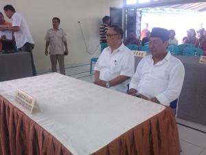 Pasangan Perseorangan Ridwan Laiya - Max Purukan saat mendaftar di KPU Bitung