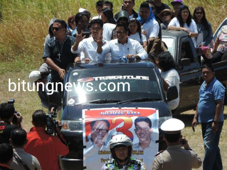 Pasangan Calon Walikota dan Wakil Walikota Michael Jacobus-Paulus Kumentas ikuti pawai damai