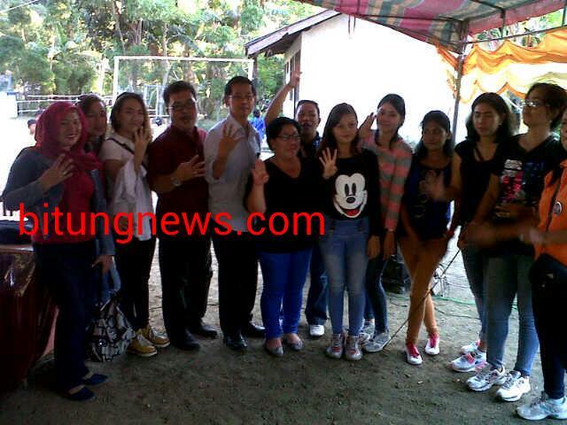 Pasangan Calon Walikota dan Wakil Walikota, Hengky Honandar-Fabian Kaloh bersama warga Kecamatan Lembeh Utara
