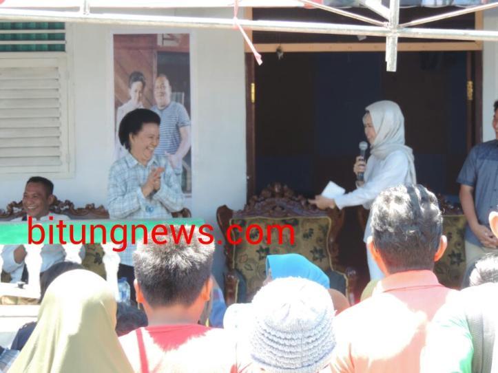 Ny. Albertina Nomay Baramuli-Kaunang PhD, setia dampingi Sang Anak  Aryanthi Baramuli Putri.