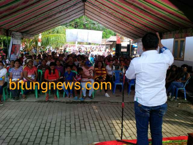 Calon Walikota Michael Jacobus memberikan pendidikan politik kepada warga Kelurahan Batu Lubang