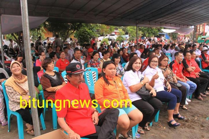 Ratusan orang pendukung dan simpatisan, antiusias dengarkan  orasi politik