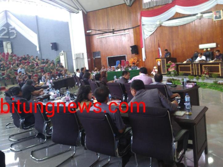 Ketua DPRD, Laurensius Supit pimpin Sidang Paripurna Laporan Keterangan Pertanggungjawaban akhir masa jabatan walikota/ wawali