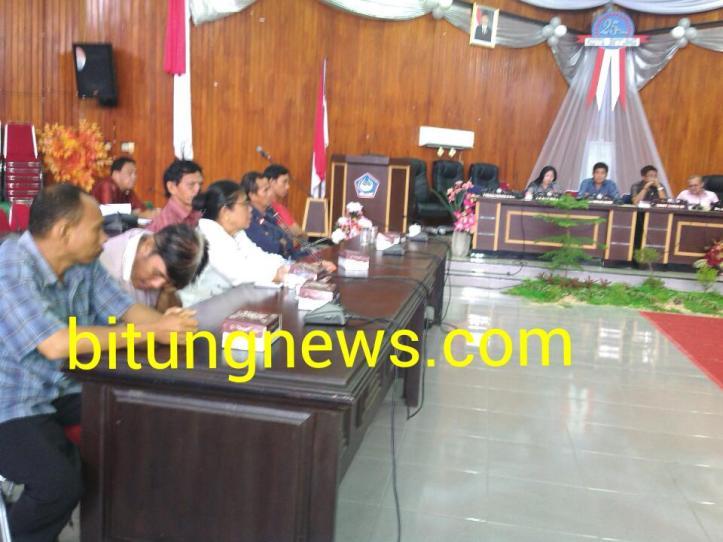 Suasana Rapat Dengar Pendapat Nelayan Keramba tanpa dihadiri PT Janur Kawanua Bitung