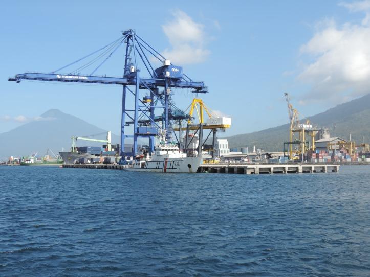 Pelabuhan Bitung, yang akan dikembangkan menjadi Kawasan Ekonomi Khusus (KEK)