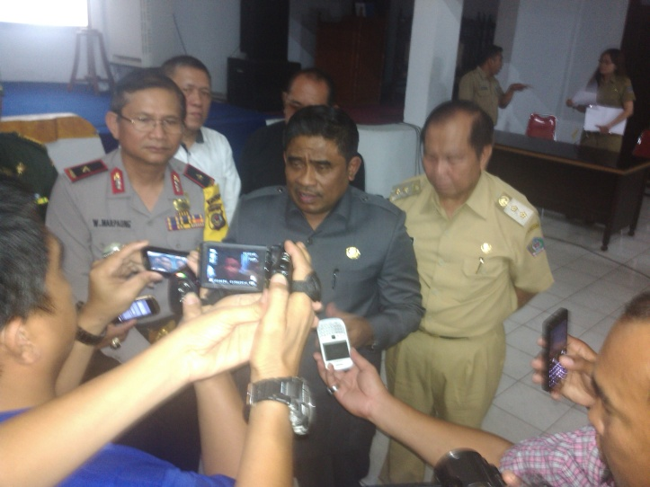 Pj. Gubernur Sulut, Sony Sumarsono saat diwawancarai awak media di kota Bitung