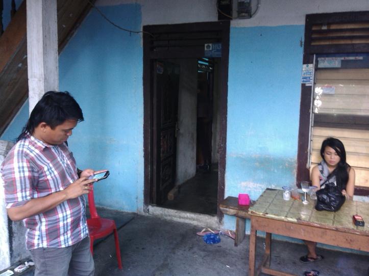 Rumah kos korban gantung diri, Gerard (21) di Kelurahan Madidir Weru.
