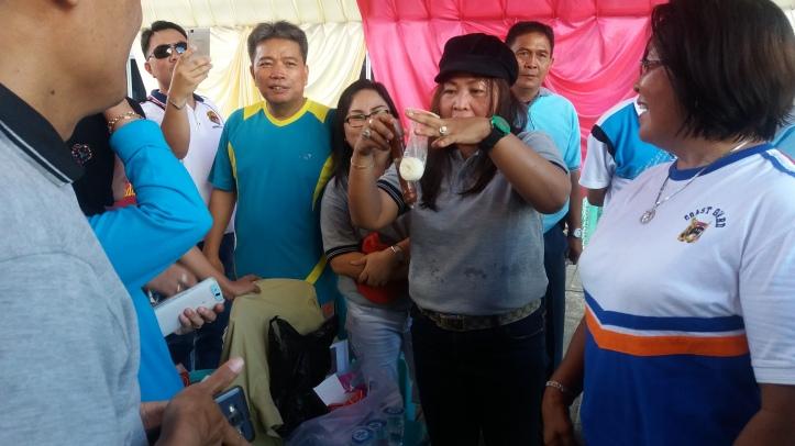 Koordinator LKKNU Bitung, Ningsry Datau, sosialisasikan penggunaan kondom untuk perempuan