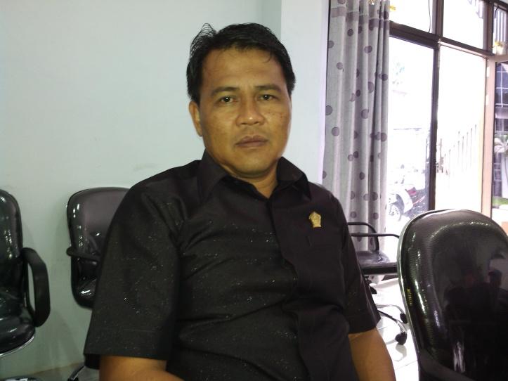 Ketua Komisi C, DPRD Kota Bitung, Boy Gumolung