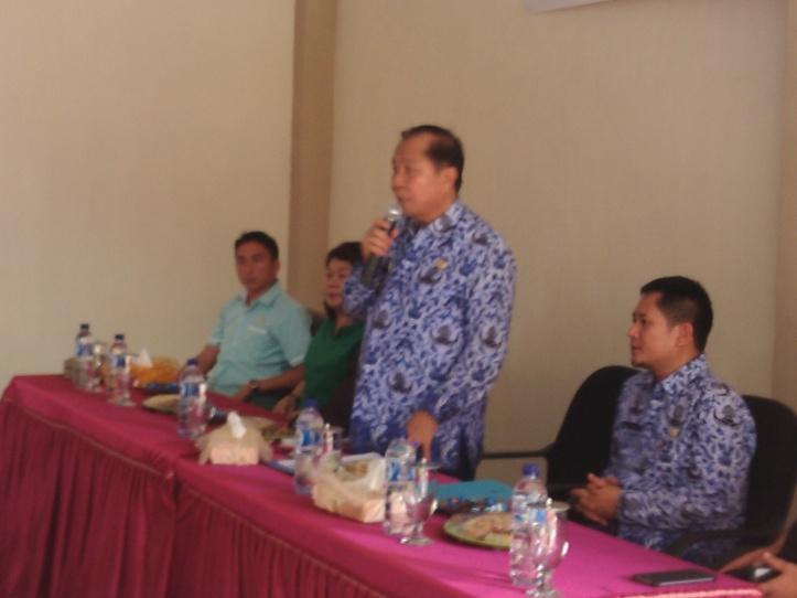 Wakil Walikota Bitung, Max Lomban meminta SKPD Segera tenderkan proyek 2016
