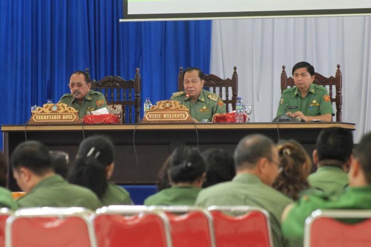 Wakil Walikota Bitung, Max Lomban, pimpin Rakor Kinerja SKPD