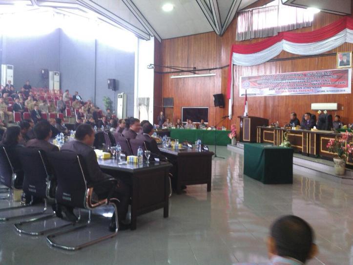 Suasana Rapat Paripurna Istimewa Pengucapan Sumpah/Janji PAW, Rifka Papente