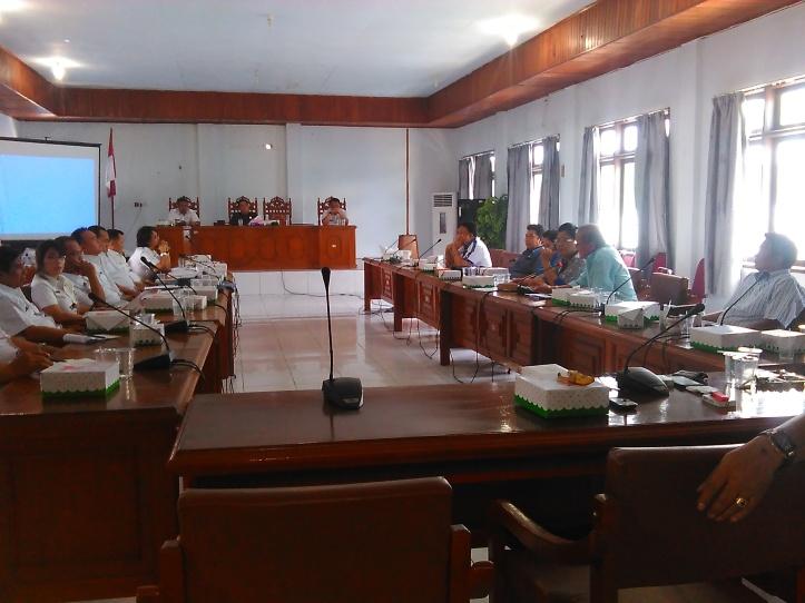 Baru kali ini Rapat Banggar DPRD kota Bitung dengan Tim Anggaran Pemerintah Daerah (TAPD), terbuka untuk umum, Selasa, 23/3/2016