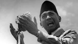 Pesiden RI-1, Ir. Soekarno ,dengan semangat perjuangan Trisakti.