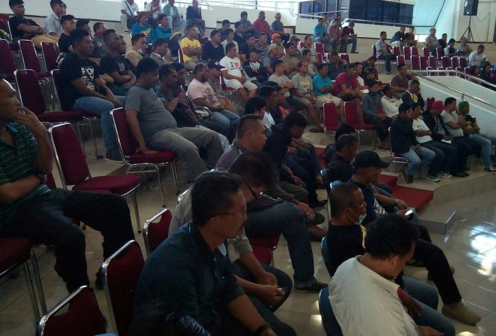 Ratusan Ex-THL ikuti rapat dengar pendapat DPRD Kota Bitung