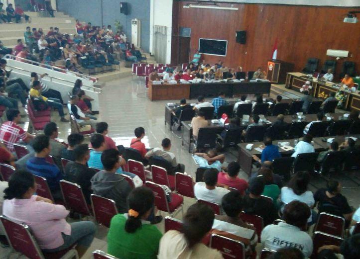 Rapat Kerja PemKot dan DPRD Kota Bitung, mengenai THL dan PALA - RT, Jumat, 19/8/2016