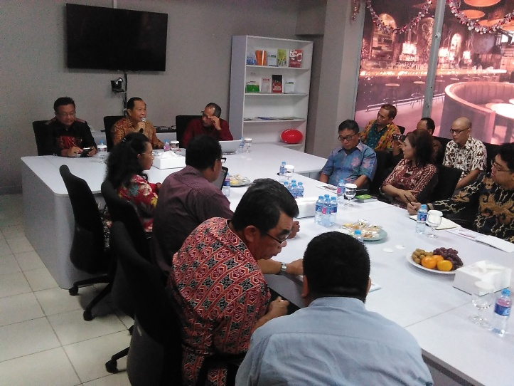 Walikota dan Wakil Walikota Bitung, Max Lomban dan Maurits Mantiri, sampaikan keinginan wujudkan Bitung Smart City, kepada Expert Smart City Nusantara PT Telkom, Noufal