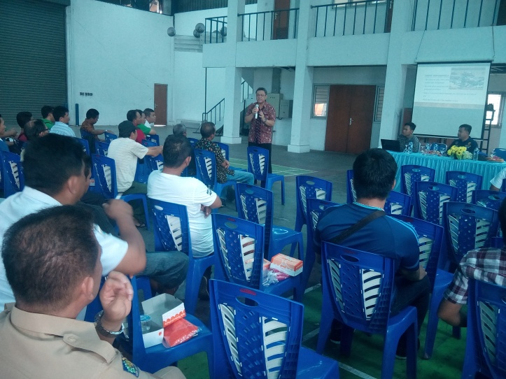 GM TPB PT. Pelindo, Edy Nursewan sampaikan sosialisasi safety driving kepada sopir Dan stakeholder lainnya