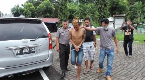 Polisi terpaksa tembak kaki kanan tersangka pencuri aki, karena melarikan diri